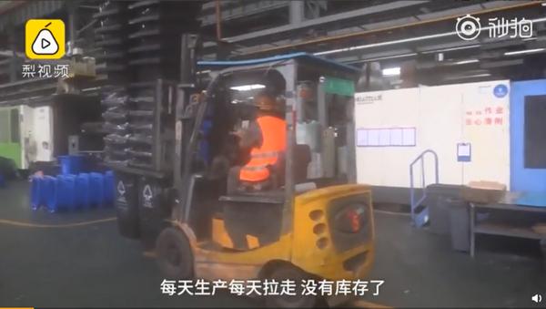 分类垃圾桶生产出来就拉走 企业订单量暴增30%-50%