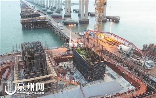 福厦客专泉州湾跨海大桥主墩进入塔柱施工阶段