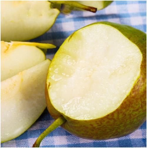 苏宁卞农尝鲜7香翡翠梨:像在喝梨汁