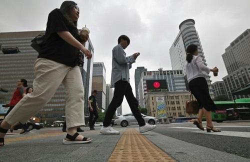 老板骚扰霸凌解雇员工要坐牢罚款 韩国修劳工法