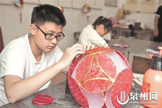乐享暑期传承非遗 泉州举办丰富多彩的暑假公益培训班