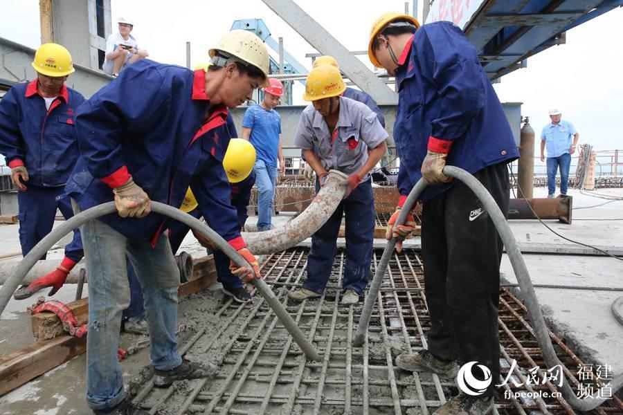 福平铁路平潭海峡公铁两用大桥平潭段实现全贯通