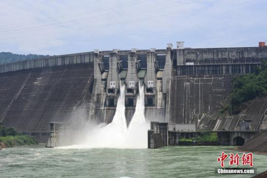 珠江水系內河貨運量今年有望突破10億噸 居世界第二