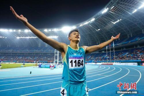 亚洲纪录! 谢震业男子200米决赛19秒88夺冠