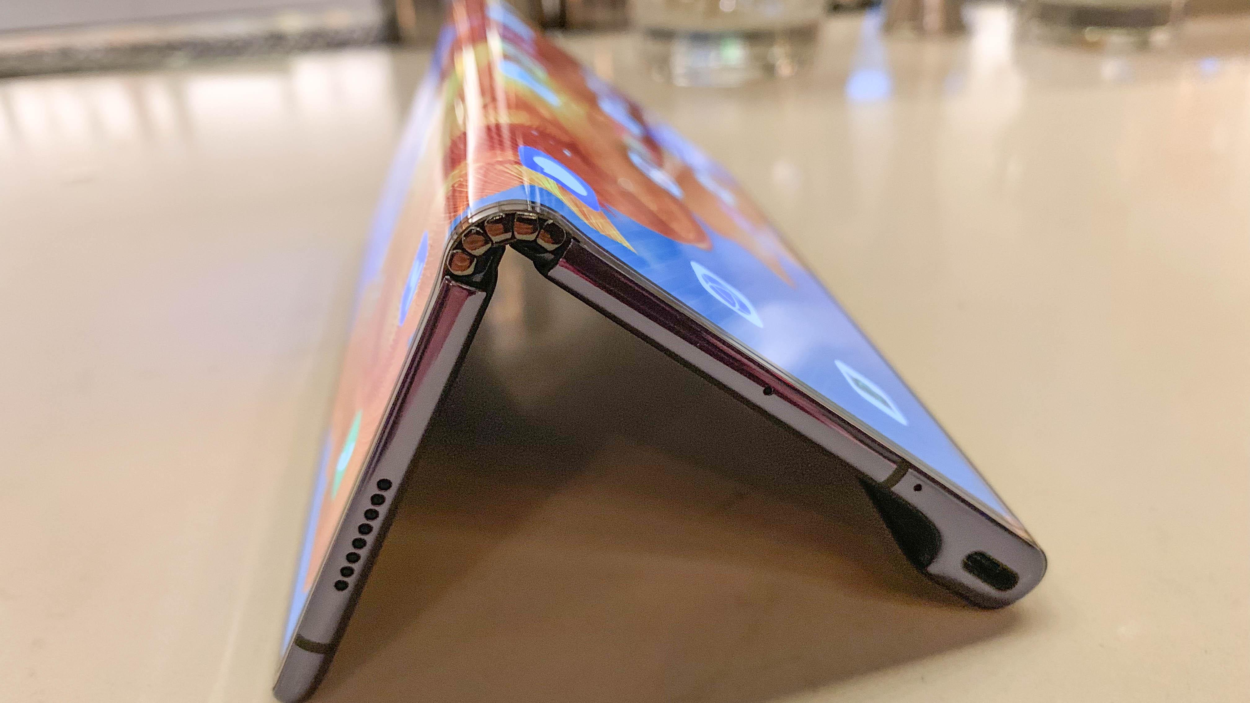 华为折叠屏手机获入网许可 下月上市有望?