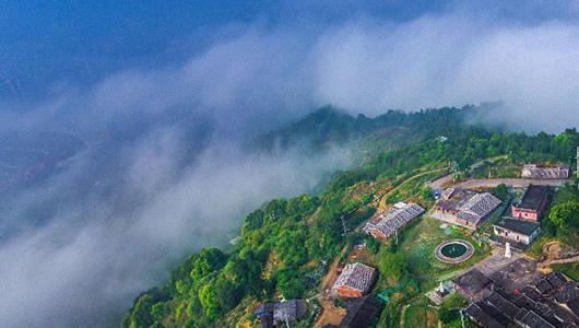 永春:云雾缭绕似仙境