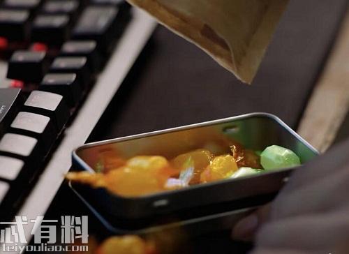 亲爱的热爱的:韩商言喜欢撸猫还爱吃糖 韩商言同款糖果介绍