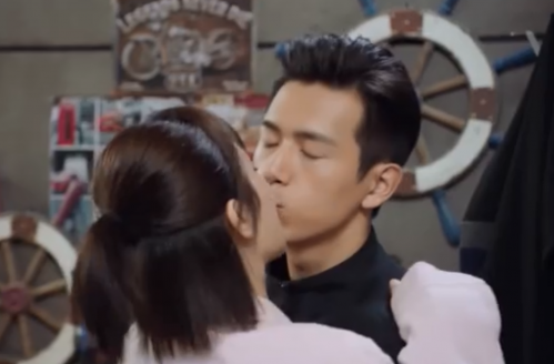 亲爱的热爱的吻戏哪一集?杨紫和李现吻戏合集大盘点