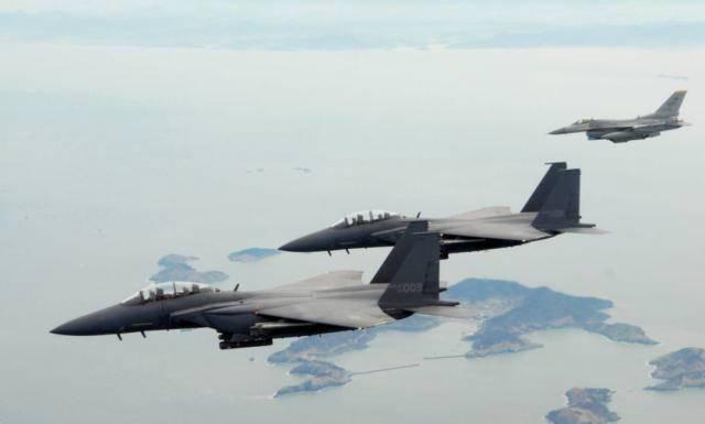 突发!俄军机进入韩领空 韩战机向俄军机开火示警