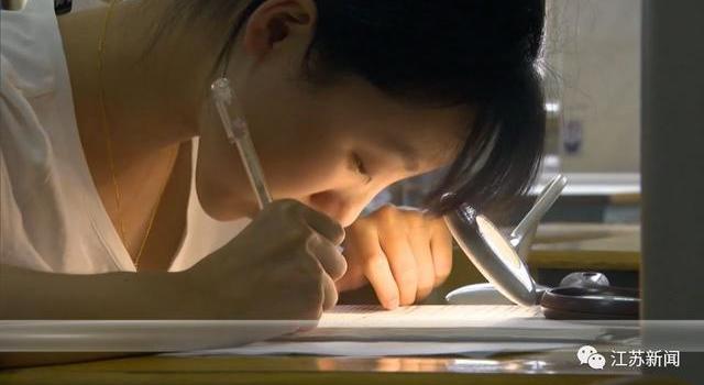 周芷晴个人资料照片 左眼失明右眼0.1的她是如何考上中国人民大学的