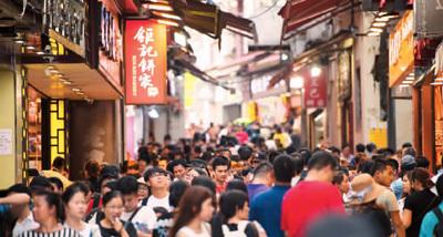 澳门用心提升游客舒适感 上半年入境旅客突破2000万人次