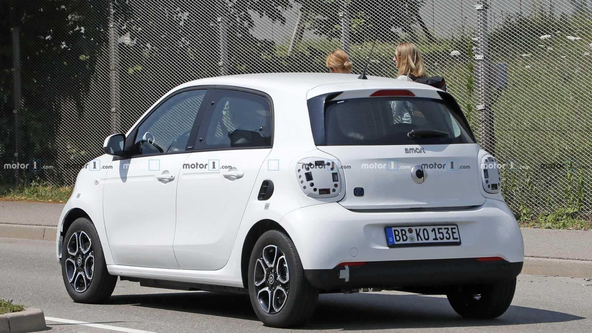 奔驰新款smart纯电动版谍照 预计2020年初上市