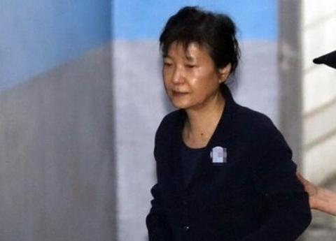 朴槿惠二审宣判结果怎么样,朴槿惠为什么入狱,朴槿惠闺蜜门