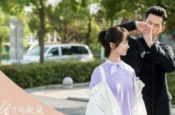 亲爱的热爱的佟年和韩商言车上接吻,看清接吻姿势,网友:弄错性别?