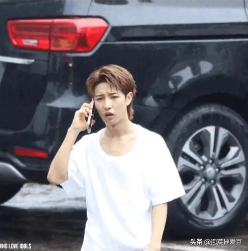 粉丝怒了!NCT黄仁俊打歌后没伞撑没车坐,经纪人却早已离开?