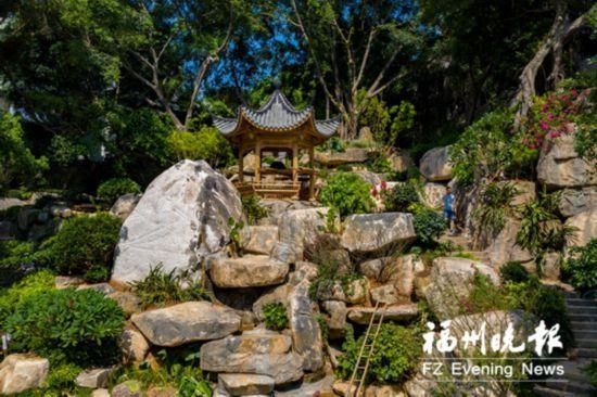 福州于山风景区东入口改造完成 巨石垒起假山群落