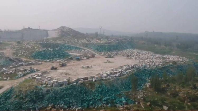 矿山刷绿漆现场图,矿山刷绿漆什么情况?矿山刷绿漆官方回应