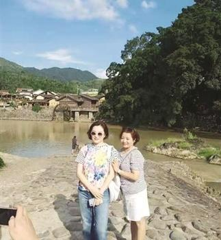 """著名演员林青霞到南靖土楼云水谣景区""""打卡"""""""