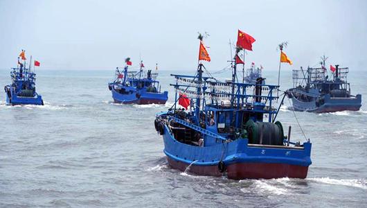 福建石狮海域结束休渔期 开渔出海
