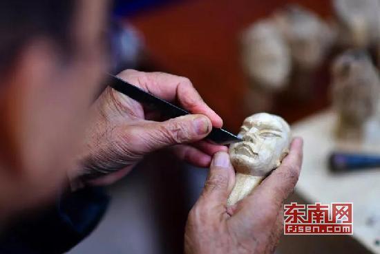 """漳州木偶艺术家徐竹初:情寄木偶 """"雕刻""""人生"""
