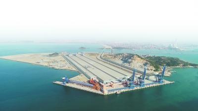 莆田:东南沿海最大铁矿石码头 罗屿港口扬帆启航