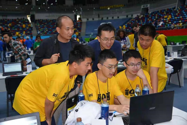 福州三中钟子谦勇夺国际信息学奥林匹克金牌