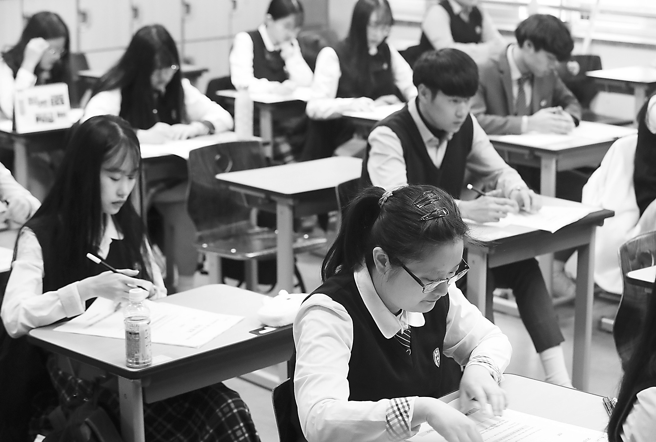 中国学生?#30142;?#20110;补习班 日韩学生暑假一样不轻松