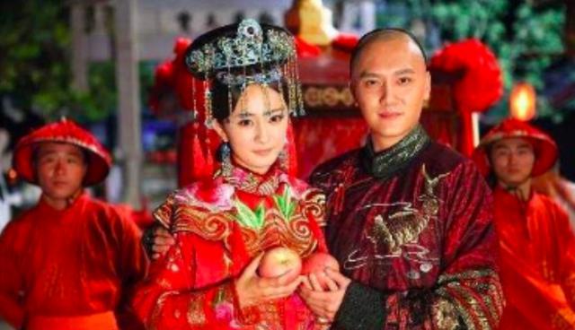 杨幂冯绍峰合体录制节目,时隔8年,二人终于再同台