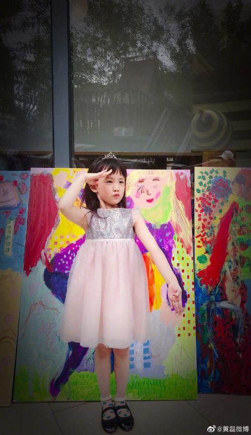 黄磊晒二女儿画作是什么样的?黄磊二女儿多妹画了什么内容?