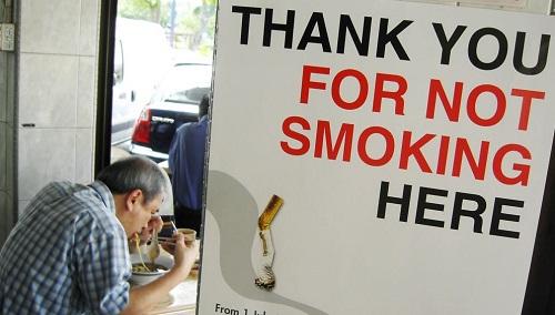 美媒:怀疑电子烟引发多起严重肺病 美疾控中心展开调查