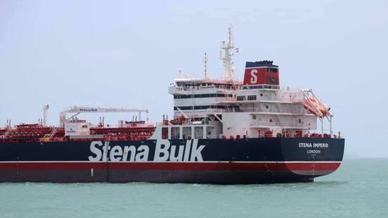 """7月19日晚,伊朗宣称在霍尔木兹海峡扣押英国油轮""""史丹纳帝国""""号。(图:今日俄罗斯)"""