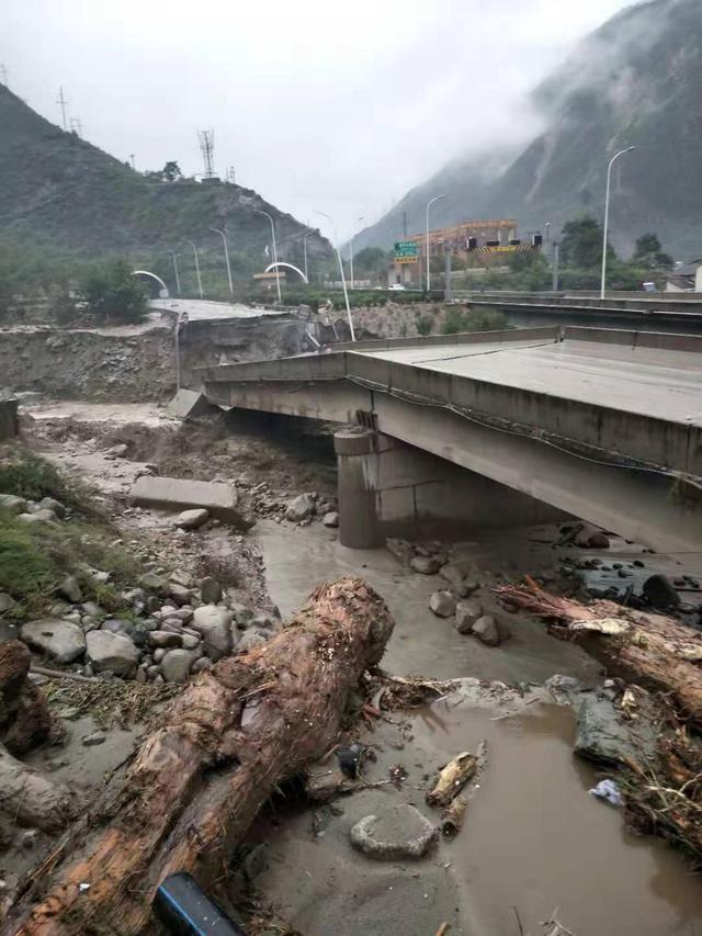 汶川泥石流最新消息,汶川泥石流伤亡情况现场图,汶川泥石流救援经过