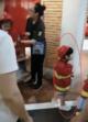 小海绵扮消防员现场图太萌了,小海绵扮消防员怎么回事?