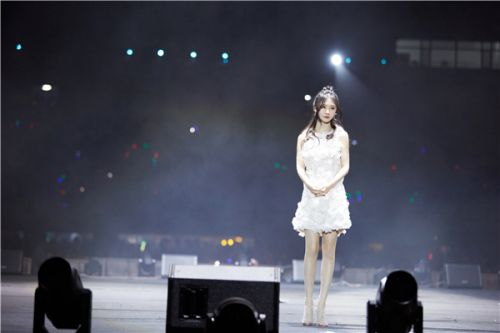 """華麗蛻變!主播歌手阿冷斬獲2019草原金雕獎""""跨界卓越獎"""""""