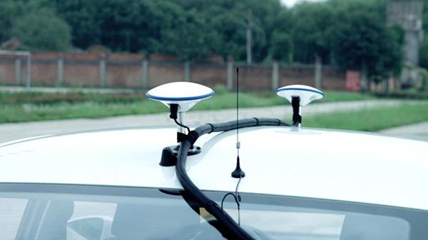 北斗高精度定位机器人指导练车,蒙眼也过科目二