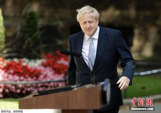 """为""""硬脱欧""""铺路?约翰逊安排英国议会休会五周"""