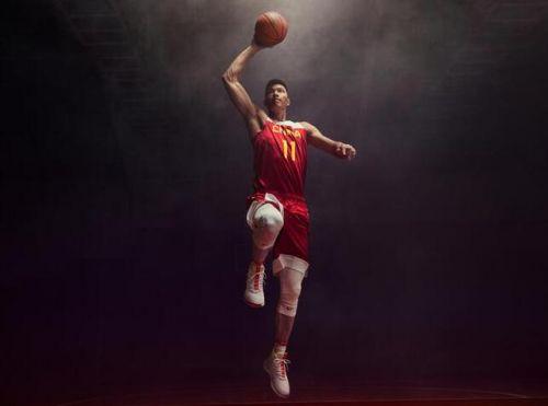 易建联担任中国男篮队长 也是首次任国家队队长