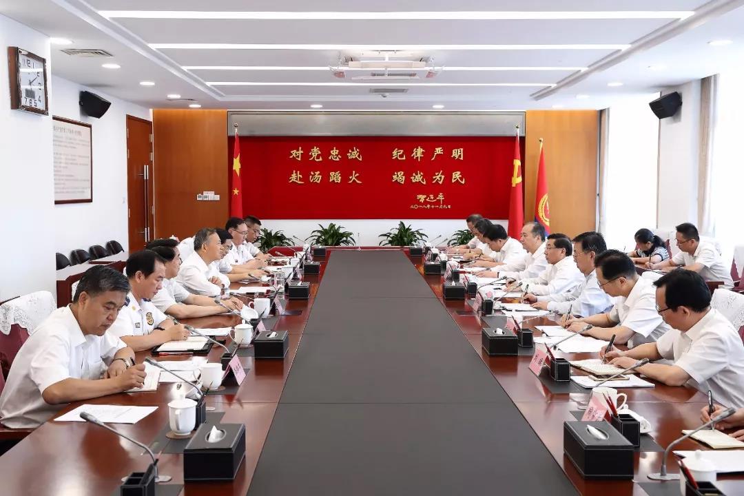黄明与福建省委书记于伟国、省长唐登杰会谈