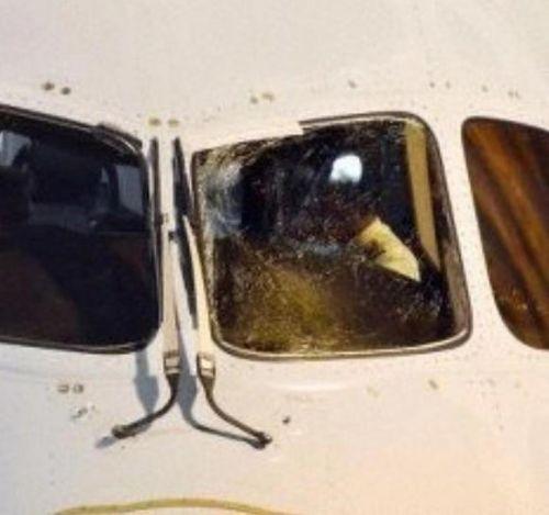 波音787玻璃破裂怎