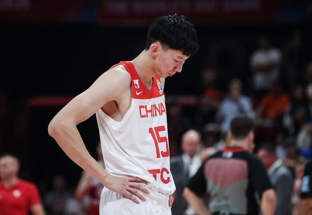 王仕鹏怒批男篮年轻球员怎么回事 王仕鹏怒批男篮年轻球员说了什么