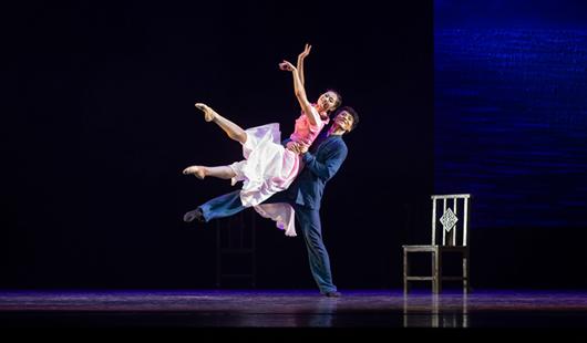 福州:大型舞剧《情逝》在福建大剧院上演