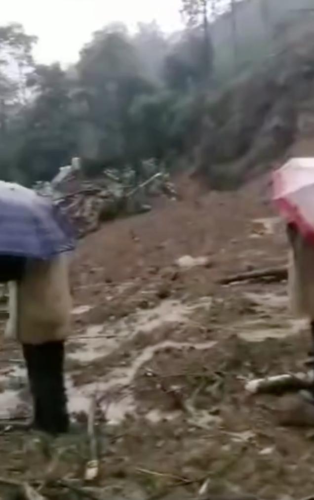 云南巧家县凌晨突发泥石流滑坡,9人失联!已启动应急救援预案