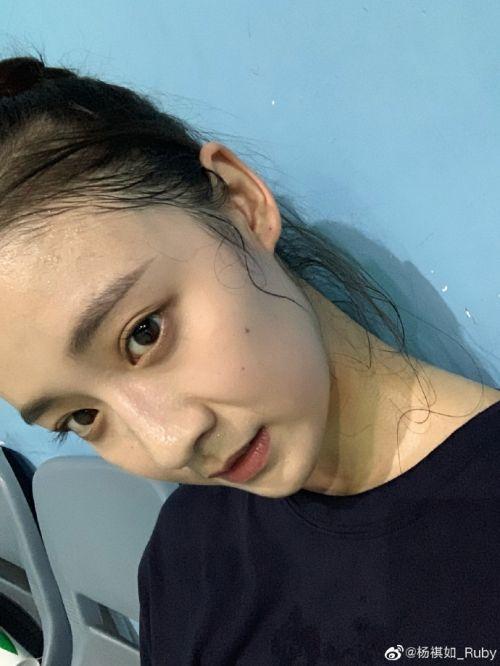 中国机长杨慧是谁扮演的?杨祺如个人资料照片家庭背景遭扒