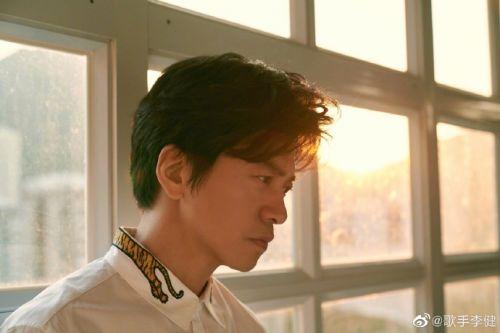 李健妻子是谁个人资料照片,李健孟小蓓结婚几年了恋爱始末