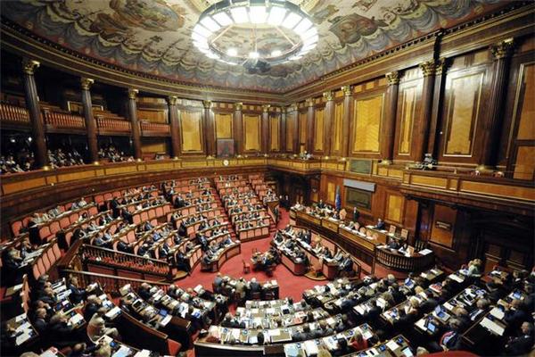 英国政府叫停议会 英国脱欧前景依然堪忧