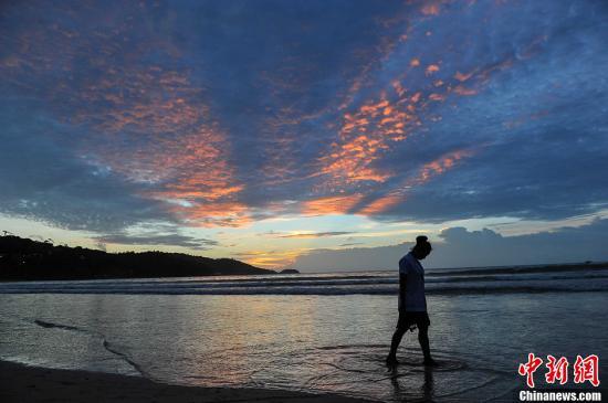 泰铢升值影响旅游业 泰国政府拟缓征旅游税
