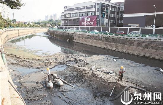 近20年来泉州中心市区东干渠迎来首次清淤