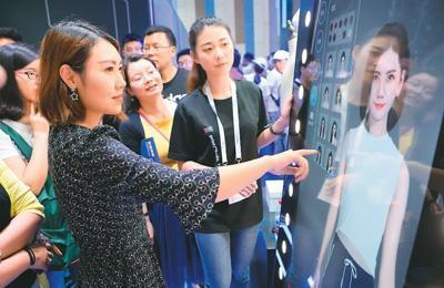 中国服装销量一年减少178.5亿件 消费者不爱买衣服了?
