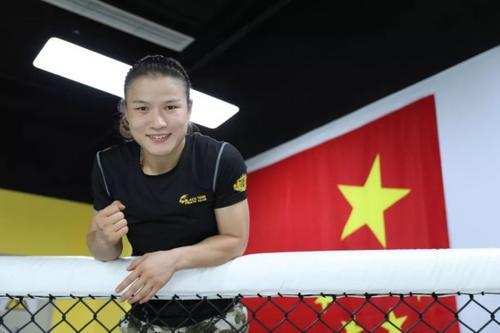 拳王张伟丽:尽早结束比赛是对对手最大仁慈