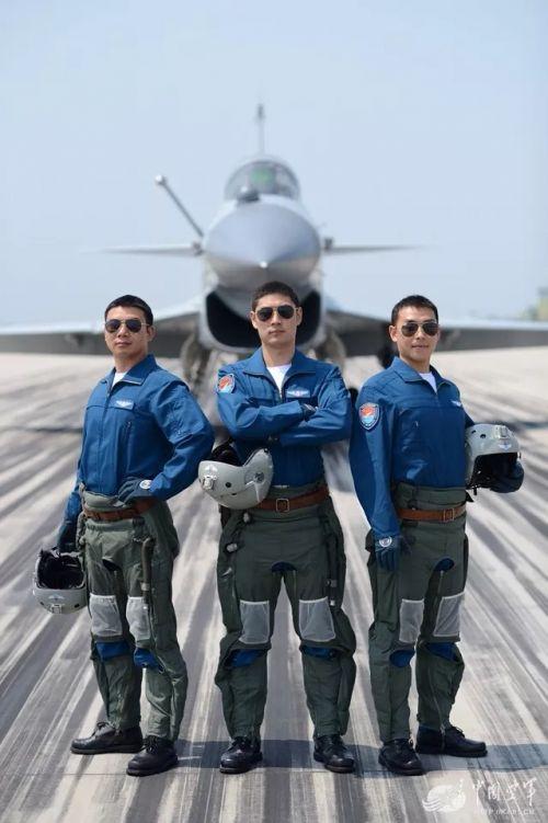 空军福建招飞啦!4年定副连,上北大清华免费